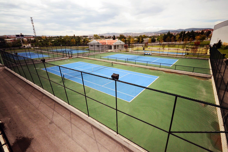 alparslan turkes tenis kortu 1